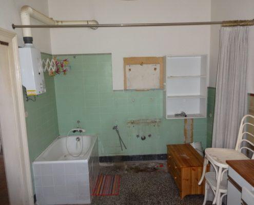 Bad vor der Renovierung - Wien