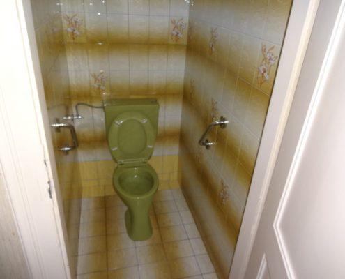 WC vor der Renovierung