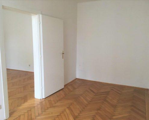 1050 Altbau Schlafzimmer