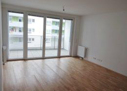 1160 Wohnzimmer + Loggia