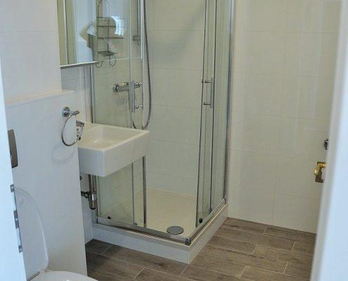 1190 Mietwohnung Bad