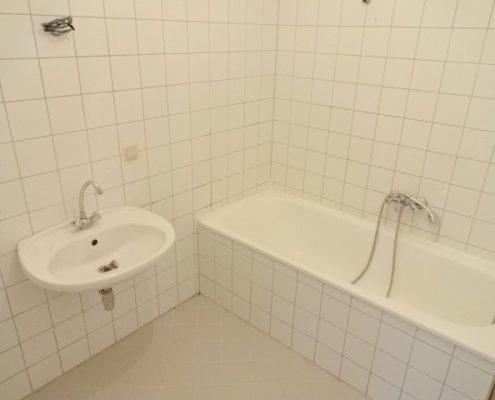 1160 Altbauwohnung Bad