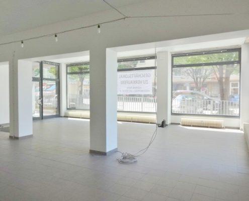 5020 Geschäftslokal Fensterfront