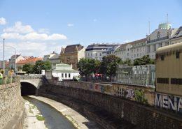 Klassische Altbauwohnung in 1060 Wien