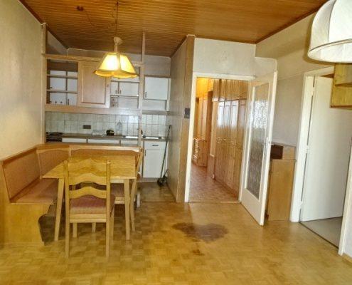 modernisierungsbedürftiges Wohnzimmer