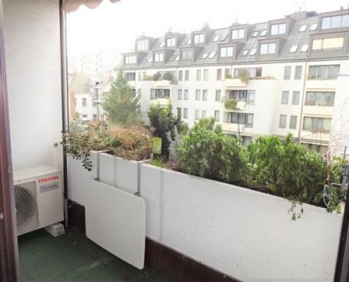 Mietwohnung Mit Loggia Und Klimaanlage