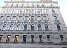 Dachgeschosswohnung in Altbau 1020 Wien